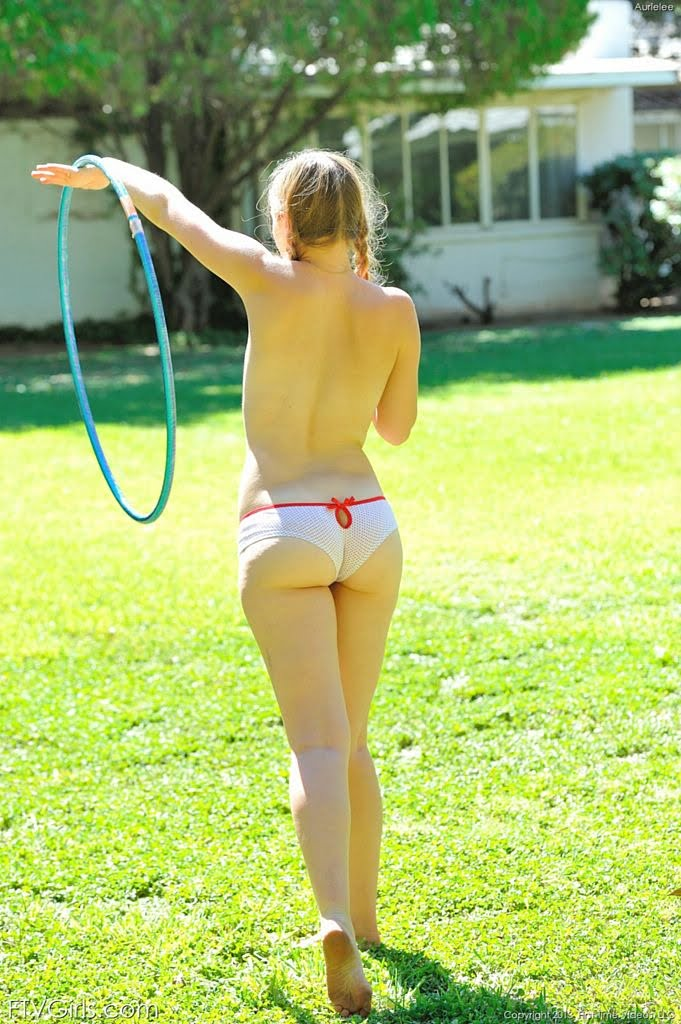 Naked hula hoop girl