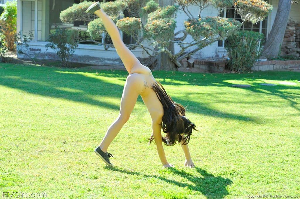sarah sage naked pictures